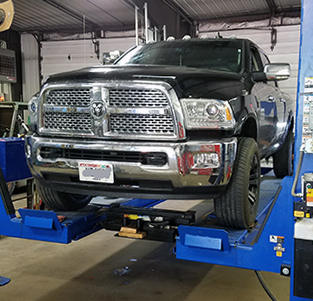 auto and truck service in Amherst, WI